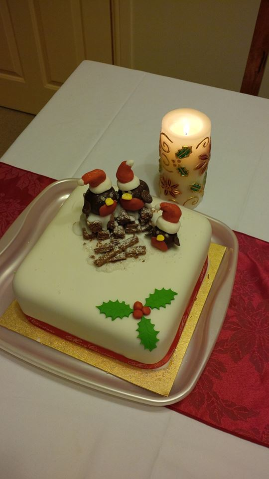 christmas-robins-log-cake