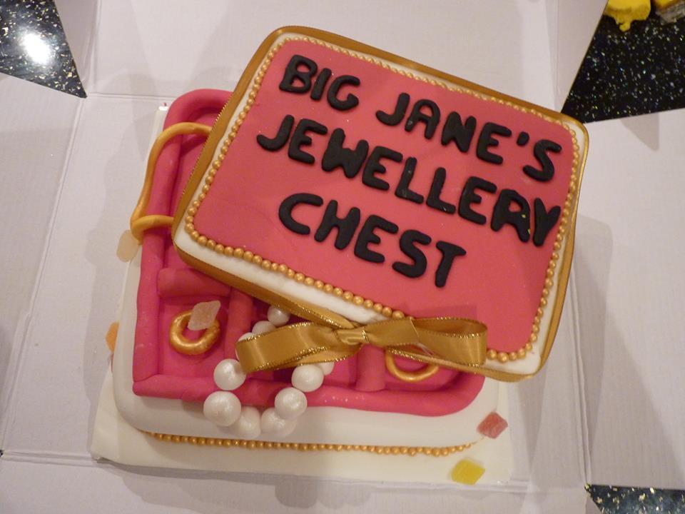 jewellery-cake-1
